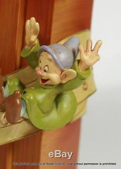 RARE Disney Jiminy Cricket OLD FASHION RADIO Musical Blower Lite Up Snowglobe