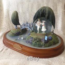 RARE Disney Mary Poppins TEAS GARDEN Scene Musical Spin Figurine Snowglobe-MIB