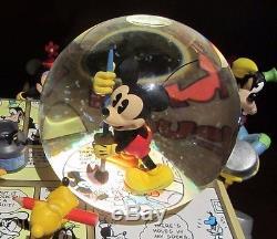 RARE Disney Mickey Mouse Fab 5 Comic Strip Inc And Paint Snowglobe Music Box