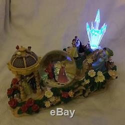RARE Disney Parade Princesses AURORA CINDERELLA Light Up Musical Snowglobe-MIB
