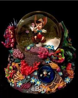 RARE LIMITED EDITION Pinocchio Under The Sea Double Monstro DISNEY SNOWGLOBE