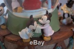 RARE NIB Disney 75th Anniversary Mickey Minnie Mouse Christmas Tree Snow Globe