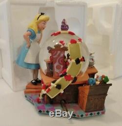 RARE! Vintage! Disney Alice in Wonderland 50th Anniversary The Trial Snowglobe