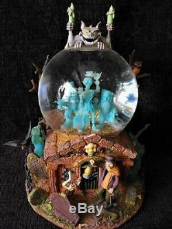 Rare Disney Haunted Mansion Grim Grinning Ghosts Music Light Up Snowglobe