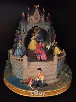 Rare Disney Princess Castle Snowglobe LARGE / Excellent Condition