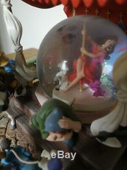 Ultra Rare Disney Store Hunchback Of Notre Damme Topsy Turvey Snow Globe