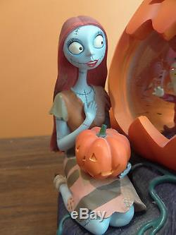 VIDEO Disney Store Nightmare Before Christmas Halloween Pumpkin Music Snow Globe