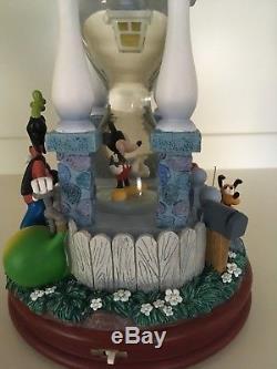 Very Rare Disney Mickey At Home Hourglass Snowglobe