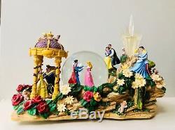 Very Rare Disney Princess Parade Float Snow Globe