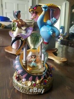 Walt Disney World Aladdin Hourglass Snowglobe Waterglobe Beautiful
